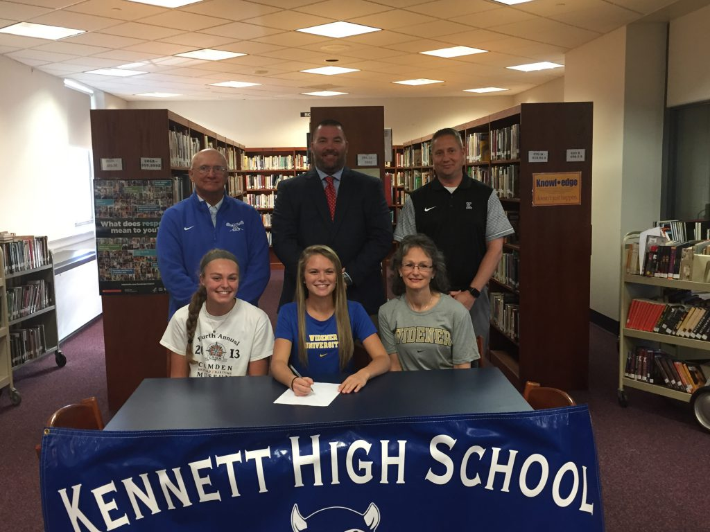 Ashley Mastronardo Signs NLI